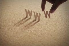 Слово WWW деревянное на обжатой доске Стоковая Фотография RF