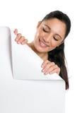 сложенный угол держащ женщину signboard молодым стоковые фотографии rf