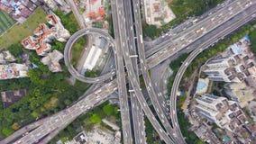 Сложное соединение шоссе в Гуанчжоу, Китае Воздушный вертикальный идущий сверху вниз взгляд акции видеоматериалы