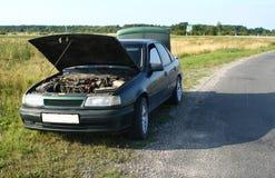 сломленная дорога автомобиля стоковое изображение rf