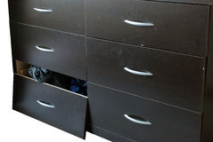 сломленная мебель дрессера Стоковое Изображение RF