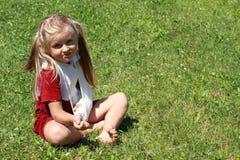 сломленная рука девушки Стоковое Фото