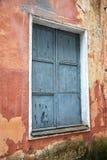 Сломленное разрушенное окно старой Стоковая Фотография