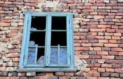 сломленное старое окно стоковая фотография rf