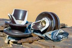 Сломленные изоляторы для высокого напряжения Стоковое Фото