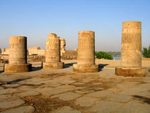 сломленные колонки египетские Стоковые Изображения