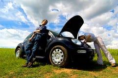 сломленный автомобиль вниз Стоковые Фотографии RF