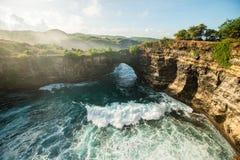Сломленный пляж, Nusa Penida стоковое изображение rf