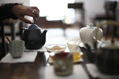 служя установленный чай Стоковое фото RF