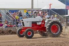 Случай трактор 1070 померанцовый & белый Стоковые Изображения RF