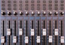 Слушающ, радио, звуковое оборудование, шкала, цифровой дисплей Стоковое фото RF