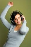 слушая женщина нот Стоковая Фотография RF