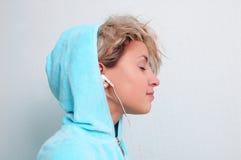 слушая нот к Стоковая Фотография