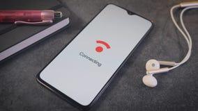 Смартфон подключая с WiFi акции видеоматериалы