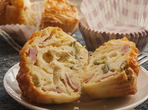 Смачные булочки сыра и бекона Стоковые Фото