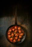 Смачные фрикадельки в пикантном соусе Стоковая Фотография