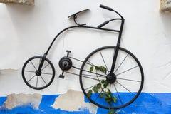 Смертная казнь через повешение велосипеда Velocipede Hstorical винтажная на стене улицы Стоковая Фотография RF