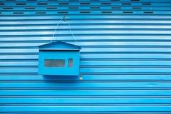 Смертная казнь через повешение почтового ящика на стене Стоковое Изображение RF