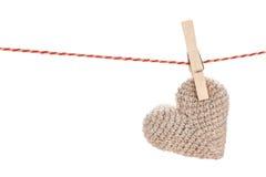 Смертная казнь через повешение сердца игрушки дня валентинок на веревочке Стоковые Изображения