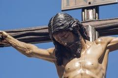 Смерть на кресте, святая неделя Иисуса в Севилье, братство студентов Стоковые Фото