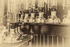 Смеситель и стеклянная лампа для пива Стоковые Изображения