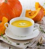Сметанообразный суп тыквы стоковые изображения