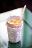 Сметанообразный Milkshake с candied плодоовощ Стоковые Изображения RF