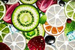 Смешанная красочная отрезанная предпосылка плодоовощей стоковое изображение rf