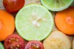 Смешанная морковь банана томата лимона плодоовощ Стоковое фото RF