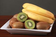 Смешанные банан и киви плодоовощ Стоковые Изображения RF