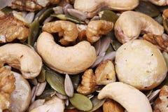 Смешанные гайки и семена здоровый выбор Стоковая Фотография RF