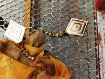 Смешанные металлы и ткань стоковая фотография rf