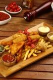 Смешанные наггеты цыпленка, фраи француза и сосиски Стоковое Изображение