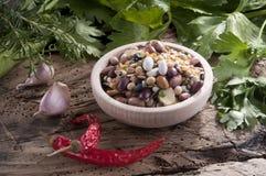 Смешанные овощи в корзине Стоковые Фото