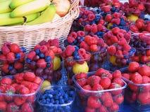 смешанные ягоды стоковые изображения rf