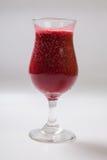 Смешанные ягоды с smoothies югурта на белой предпосылке стоковая фотография rf