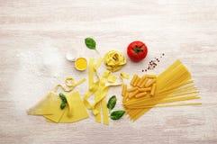 Смешанный выбор макаронных изделий стоковая фотография rf