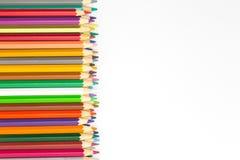 Смешанный карандашей цвета деревянных на белой предпосылке Стоковое фото RF