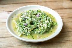 Смешанный свежий овощ с салатом рыб Стоковые Фото