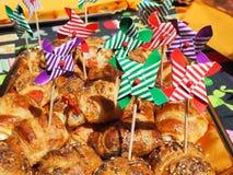 Смешивание бриошей очень вкусных закусок малых сделанных из печенья слойки стоковые фото