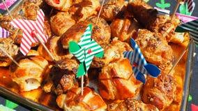 Смешивание бриошей очень вкусных закусок малых сделанных из печенья слойки стоковое изображение rf