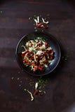 Смешивание высушенных томатов, перца chili и лука Стоковое Изображение