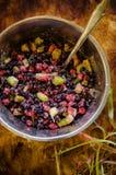 Смешивание замороженной муки ягод, сахара и картошки Стоковая Фотография RF