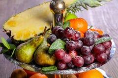 Смешивание корзины плодоовощ стоковая фотография rf