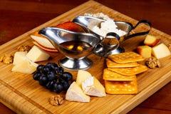 Смешивание плиты сыра стоковое изображение rf