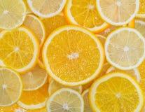 Смешивание плодоовощ лимона и оранжевого плодоовощ Стоковое фото RF