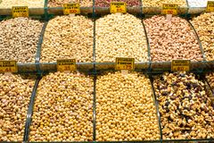 Смешивание различных высушенных плодоовощей и гаек Стоковое фото RF