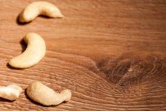 Смешивание различных высушенных плодоовощей на деревянной предпосылке Стоковое фото RF