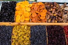 Смешивание сухофрукта на рынке продукта питания 1 стоковые изображения rf