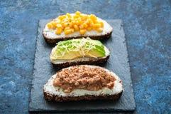 Смешивание bruschettas хлеба рож Стоковые Изображения RF